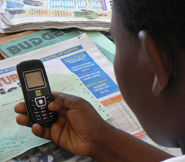 kiwanja_uganda_texting