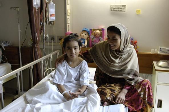 AKUH_girl_hospital_bed